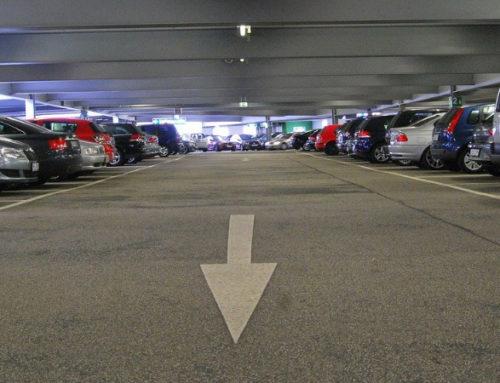 """Wann gilt """"rechts vor links"""" im Parkhaus?"""